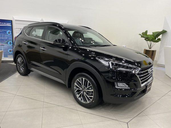 Hyundai Tucson màu đen